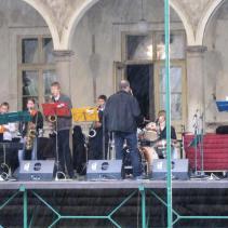 vystoupení jazzového orchestru jpg
